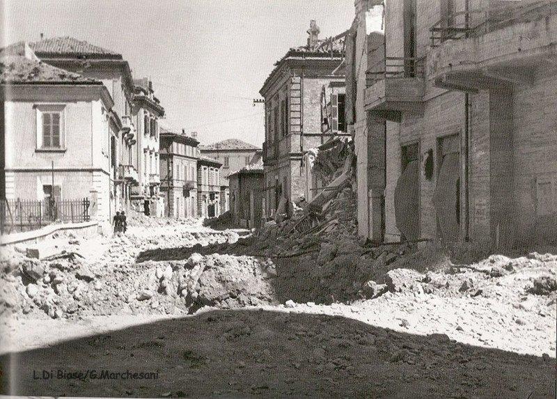 Via Ravenna incrocio via Firenze dopo i bombardamenti del 1943