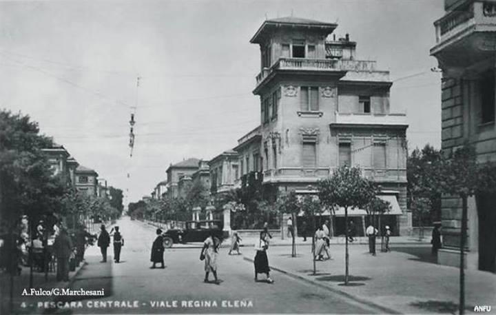 Anni 30 - Via Regina Elena, in primo piano Palazzo Ciaranca - A. Fulco
