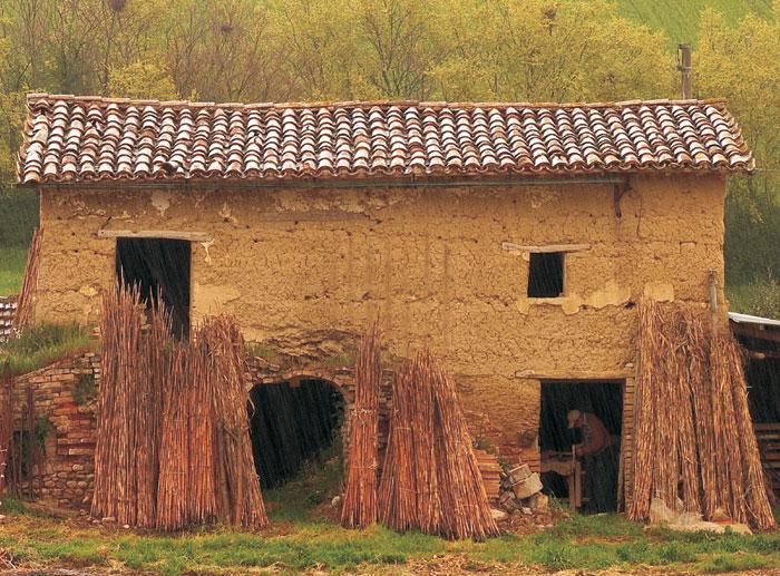 Le case di terra cruda tra passato e futuro firmato for Case di terra
