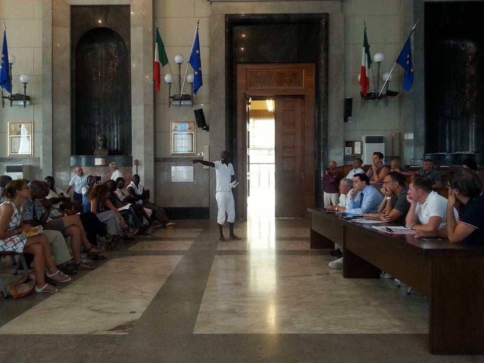 L' incontro confronto presso la Sala Consiliare