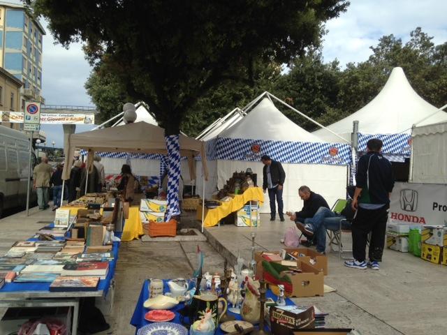 Armando foschi l 39 oktoberfest sfratta il mercatino di for Mercatino dell usato pescara