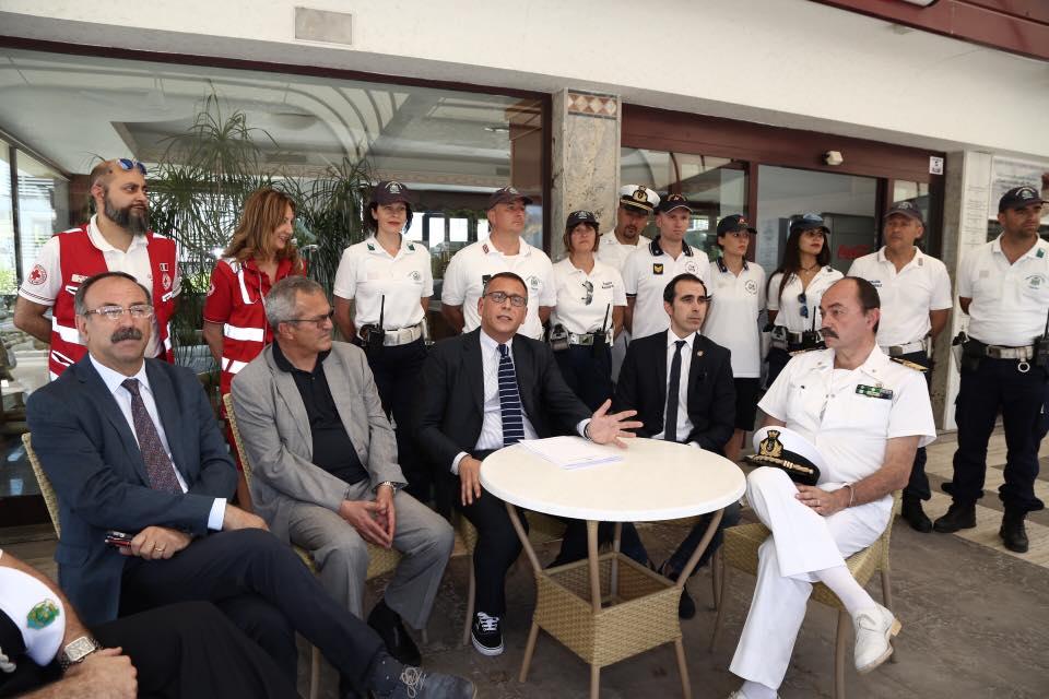 Pescara Camera Di Commercio : Pescara becci camera ardente in camera di commercio