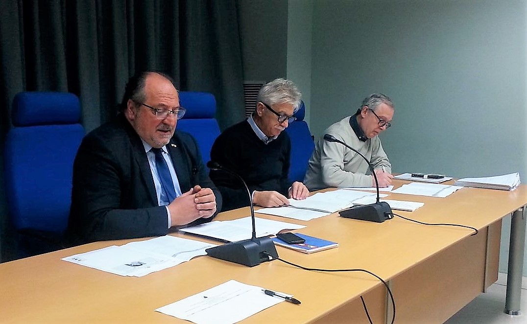 Il Sottosegretario d'Abruzzo Mario Mazzocca in conferenza stampa