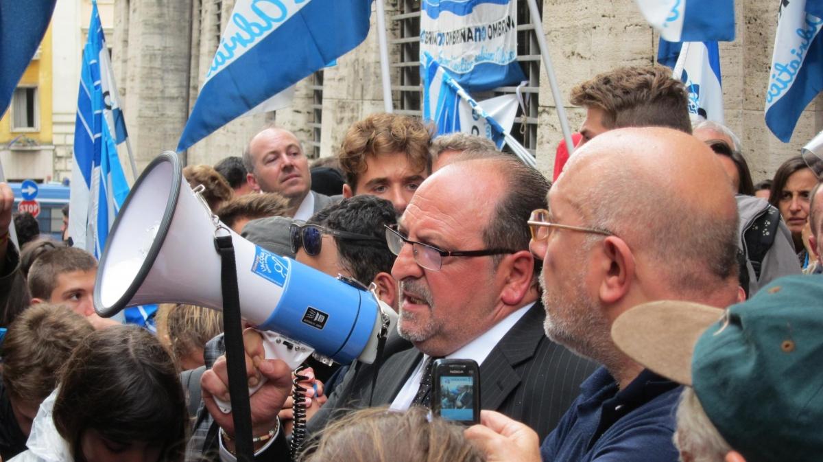 Il Sottosegretario d'Abruzzo Mario Mazzocca in un momento della battaglia contro le trivelle in Adriatico